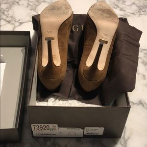 Gucci Shoes - Gucci Pumps Like New In Box w/ Receipt